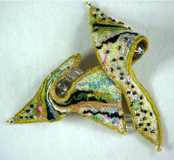 The form of this brooch was originally inspired by drawings of the Cornish landscape