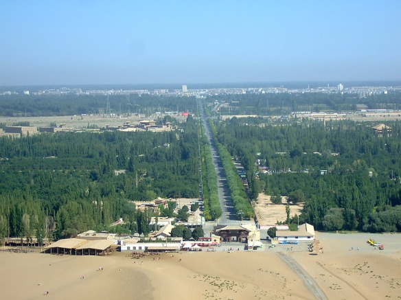The great dunes are only about six km from the centre of Dunhuang